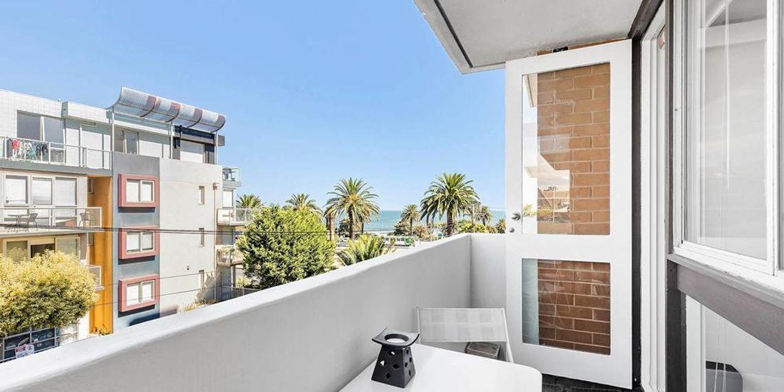 22 3 Alfred Square St Kilda Victoria 3182 Real Estate For Sale Homesales Com Au