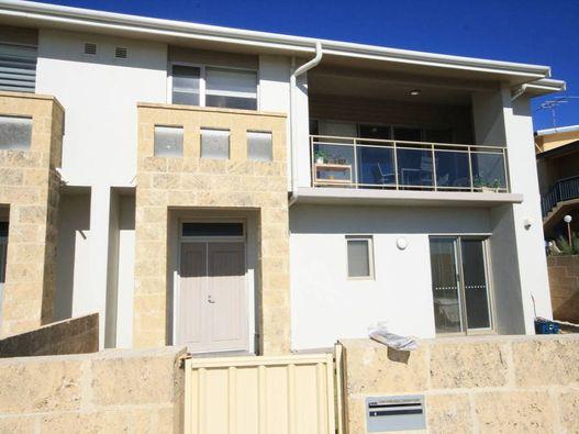 4/97-101 Ocean Drive, Bunbury, WA 6230 - Sold property